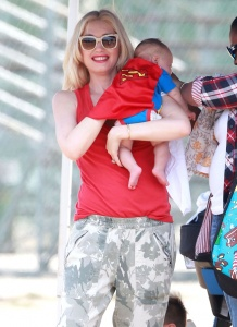 51401027 Singer Gwen Stefani, her husband Gavin Rossdale and their sons Kingston and Apollo cheer on their other son Zuma at his football game in Brentwood, California on May 3, 2014. Gwen dressed new baby Apollo in a Superman outfit. FameFlynet, Inc - Beverly Hills, CA, USA - +1 (818) 307-4813