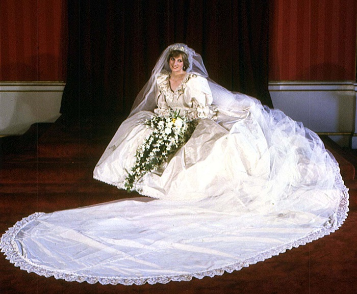 Diana Princess of Wales picture in her wedding dress which was designed by David and Elizabeth Emanuel